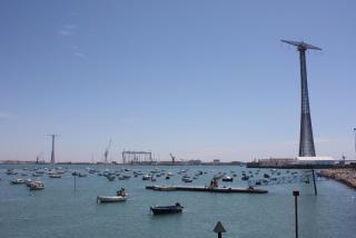 Bay_of_cadiz_Electricity_Pylons