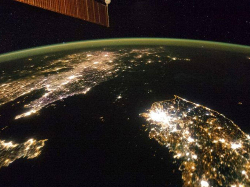 V4-North-Korea-at-night